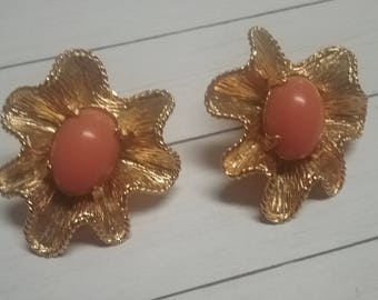 Vintage Coral (Faux) Clip Gold Tone Earrings, Chunky Ruffled or Fluted Chic Classic