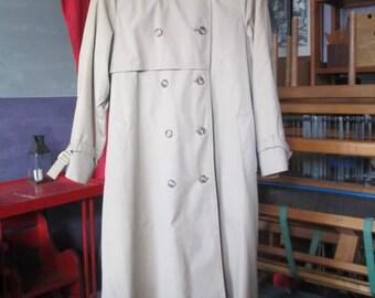 Vintage London Fog Coat/Woman's London Fog/Tan Trench Coat/Woman's Coat/Vintage/Coat/Tan Trench Coat/London Fog