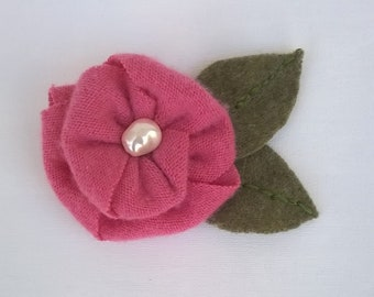 "Pink Cashmere Flower Brooch with Glass Baroque Pearl Center Bead and Wool Leaves - Silverplated Pinback - 3"" Diameter, 4 1/2"" Long Brooch"