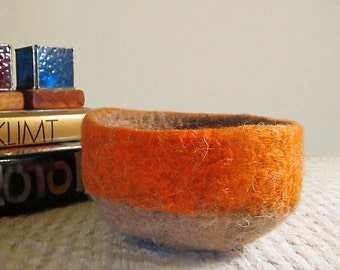 felted bowl -fill me up-