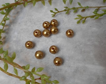 10 gold - plated - 10 mm acrylic beads