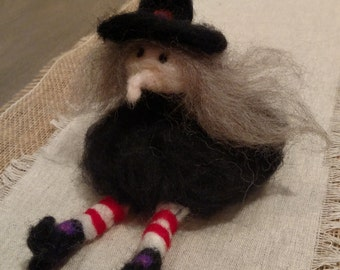 Wool Witch, wool felted witch, sitting witch, needle felting