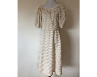 L Teena Paige 1960s Ivory polyester crochet knot peasant  dress