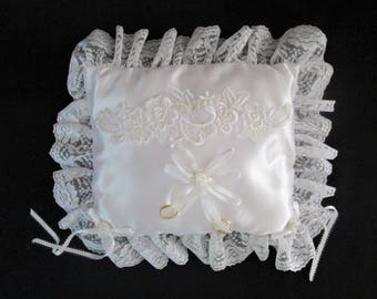 Wedding Ring Bearers Satin Pillow Lace Edging Attached Rings White Vintage Stored