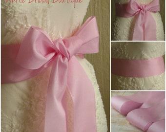 Pink sash Pale pink sash Pink ribbon sash Pink wedding sash Bridesmaids sash Pink wedding Pink ribbon belt Pink bride dress Pink ribbon sash