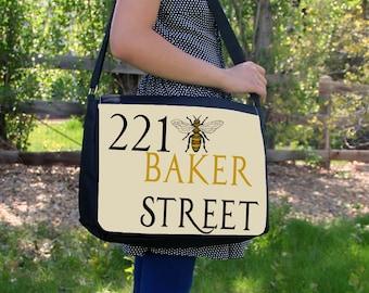 """221 Bee Sherlock Holmes 15"""" Laptop Messenger / Shoulder Bag"""