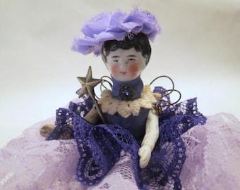 Poupée d'Art ASSEMBLAGE ange «Royal Purple» Assemblage Art Doll, poupée ancienne pièces, Style Vintage