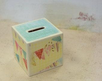 Pastel Bunting Wood Bank, Piggy Bank, Wooden Coin Bank, Kids Bank, Kids Room Decor, sweet Girls Bank, Money Box, Coin Box, pastels, buntings