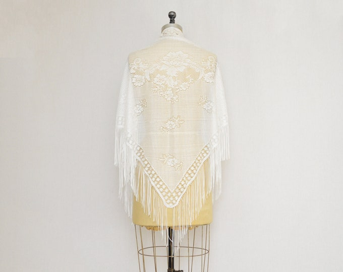 Vintage 1950s White Lace Piano Shawl