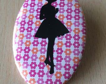 badge / brooch vintage silhouette fashion 02