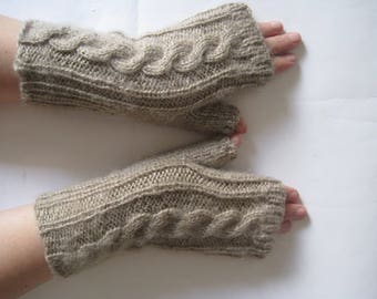 Hand Knit Friendly to Skin High Quality Beige Estonia Wool yarn Lace Fingerless Gloves for Women Soft gentle warm for your hands