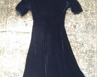 1940s V for Victory Black Rayon Velvet Dress