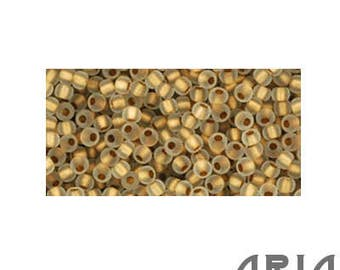CRYSTAL GOLD LINED Matte (989F): 11/o Toho Japanese Seed Beads (10 grams)