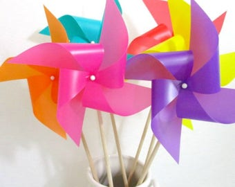 Rainbow Party Favors Pinwheels Plastic Outdoor Pinwheels Set of 8 Birthday Decorations Event Promotion Table Centerpiece Children's Toy