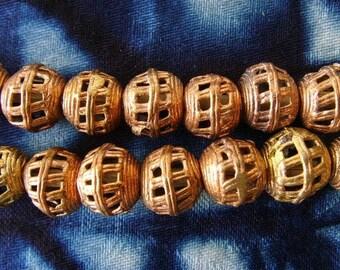 8 beads African brass BB18