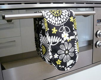 Double Oven Mitt - citrine yellow and white flowers on black