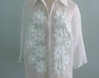 Plus Size Blouse, Linen Blouse, White Blouse, White Top, White Floral Blouse, Plus Size Tops, Embroidered Blouse, XL White Blouse, Plus Size