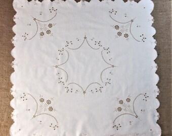 Vintage  Madeira Tablecloth Antique Tea Cloth Bridge Cloth Table Linens Hand Embroidered Table Cloth Vintage Linens