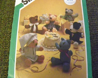 Sewing Pattern - Simplicity 6567 - Stuffed Bear And Bear Clothes