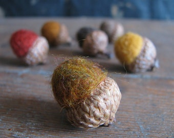 Felted acorns, set of 6, Autumn Leaves Mix, fall home decor, thanksgiving table decoration, wool acorn, waldorf autumn, waldorf nature table