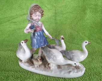 Porcelain Figurine Girl with geese Grafenthal