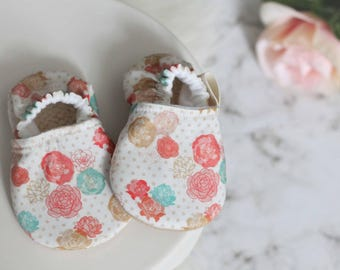 Floral Baby Girl Shoes, Baby Girl Shoes, Gold Baby GIrl Shoes, Baby Girl, Floral Baby Girl, Gold Baby Shoes, Baby Booties, baby Shoes