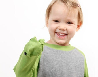 The cheeky Froggy - long sleeve with hand-puppet on the sleeve - green-gray