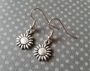 Silver Daisy Earrings II