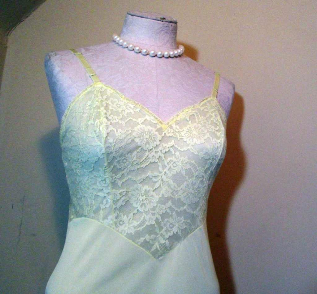 Yellow 60s Vanity Fair Slip Lace vintage 1960s yellow lace