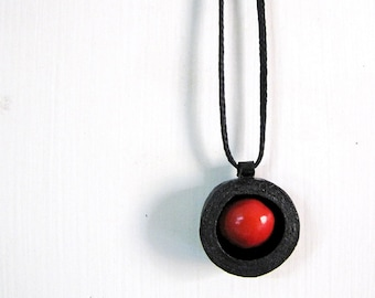 Manjadikuru necklace • Ethnic Indian jewelry • Black and red tribal necklace • Indian seed necklace • Natural organic jewelry • Kerala gift