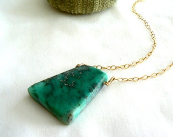 Raw Chrysoprase slice pendant - Gold filled gemstone pendant- Jewelry gemstone necklace-Women raw green stone pendant- Fashion boho necklace