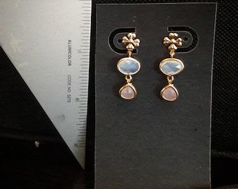 Little Flower Earrings - 18k gold plated delicate pink glass