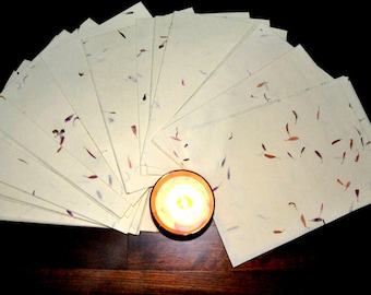 6x A4 Handmade Flower Petal Recycled Paper Sheets. Decorative paper. Herb paper. Ecofriendly paper. Invitations, Presents...(21cmx28,5cm)
