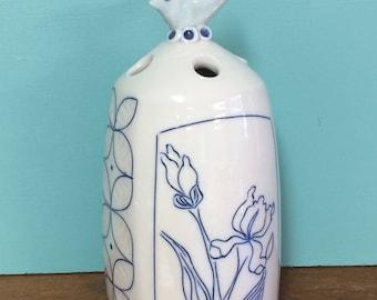 Flower Vase-Iris