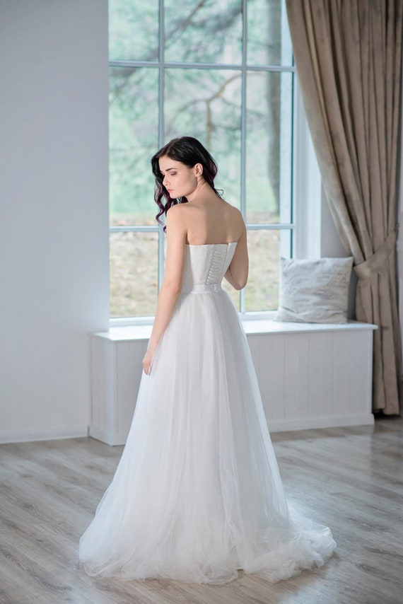 READY TO SHIP bridal tulle skirt  / sample sale skirt / ready to ship size 0/2 skirt /  soft white tulle skirt / ready made bridal skirt
