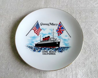 Vintage porcelain plate Queen Mary Long Beach California. 1970 s Souvenir Plate. Collectible. Gift Plate
