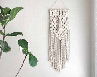 Macrame Patterns/Macrame Pattern/Macrame Wall Hanging Pattern/Wall Hanging Pattern/DIY/Craft/Name: Tasseled