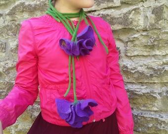 Ultra violet Wool Felt Necklace Merino Wool Flower Iris Felted Necklace Violet Felt Flower Wet Felting Gift for women Beautiful Necklace