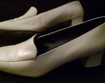 Vintage Calico Bone Pumps