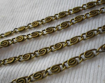 Greek Key or Meander Antiqued Brass Chain 2.5mm Wide 6 Feet