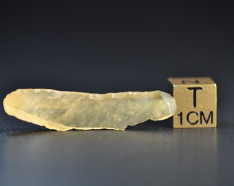 Libyan Desert Glass - LDG - Absolutely translucent processed neolithic tool - made out of Desert glass - small but absolutely amazing 1.6 g