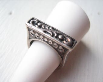 Vintage sterling silver ring, ornate heavy silver ring, size 6 silver ring band, vintage silver swirl ring