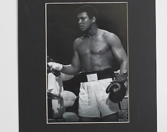 Muhammad Ali  , Black and White Picture Boxing Celebrity with black Mat