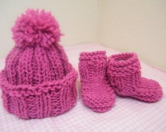 knit/crochet baby hat w/ pom pom and booties/knit 3-6 mos raspberry