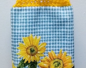Towel Topper Golden Sunflower