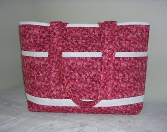 CLEARANCE SALE: Red Petite Flowers w White Trim, Hand Made Quilted Tote Bag