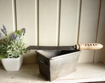 Antique bread tin with bread knife 1900s vintage baking kitchenalia Farmhouse kitchen