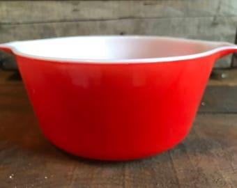 Vintage orange Pyrex bowl