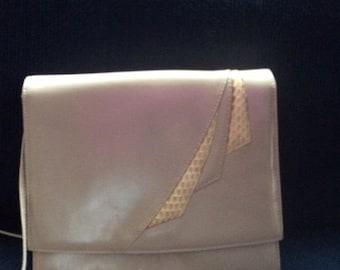 Sale Vintage 1960's Jay Herbert New York envelope notebook, pockbook  taupe leather handbag with shoulder strap, suede lining