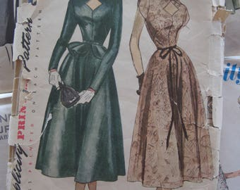 Vintage Sewing Pattern 1950s Dress Peplum Keyhole Neckline